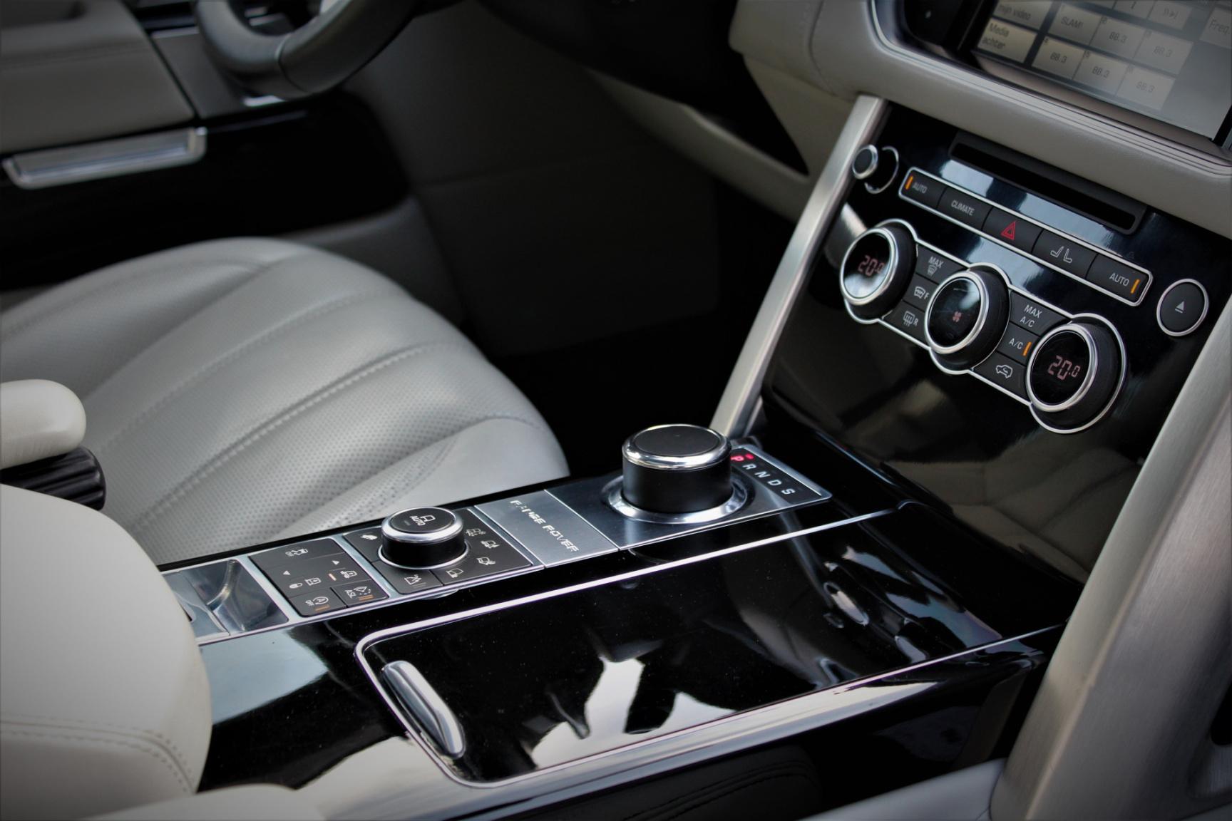 Land Rover-Range Rover-33