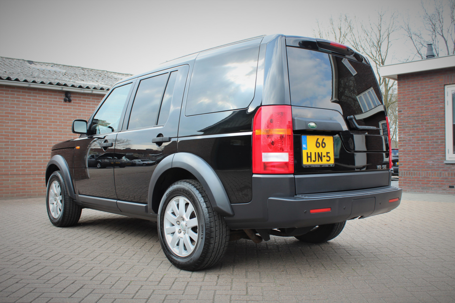 Land Rover-Discovery-30