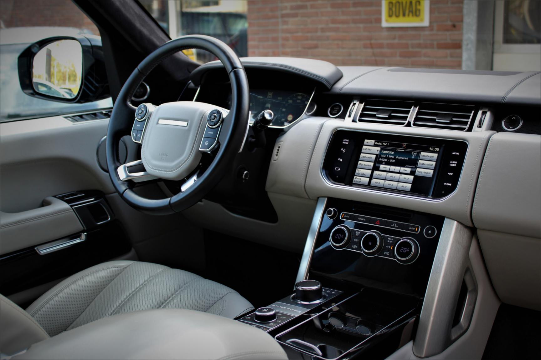 Land Rover-Range Rover-32
