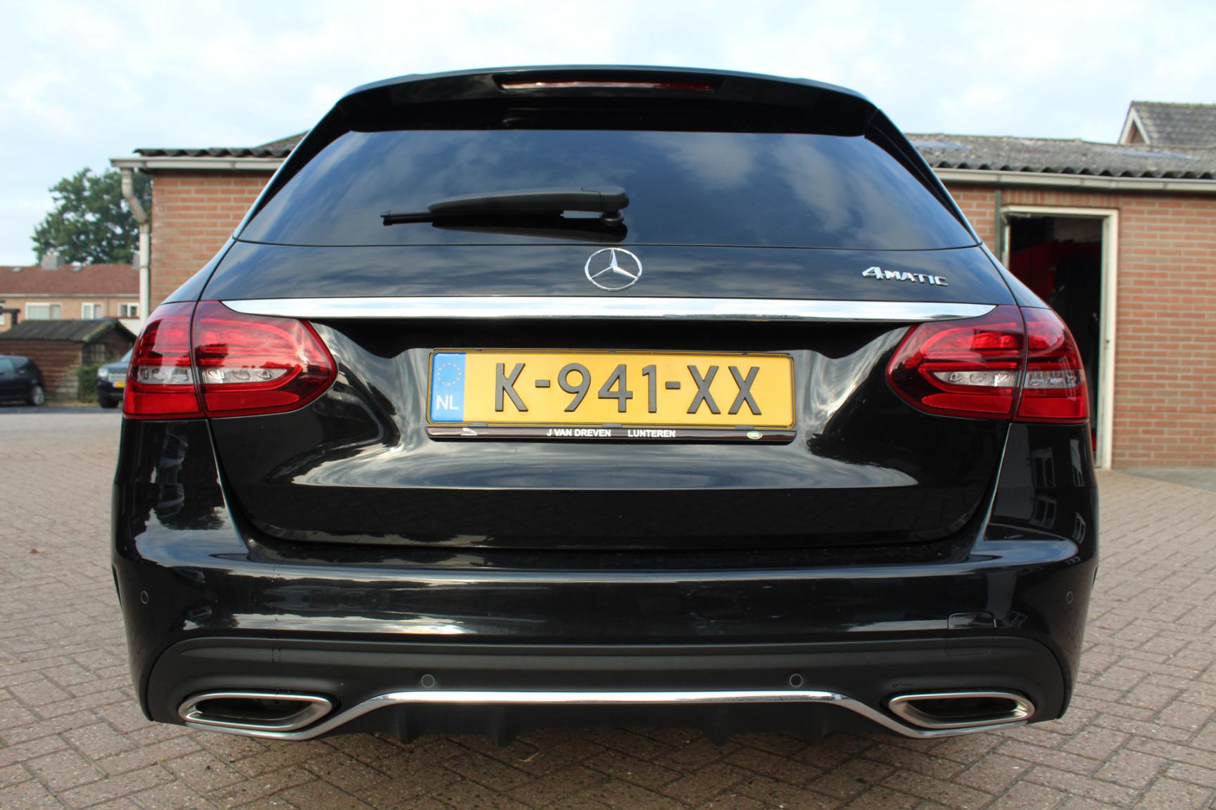 Mercedes-Benz-C-Klasse-29