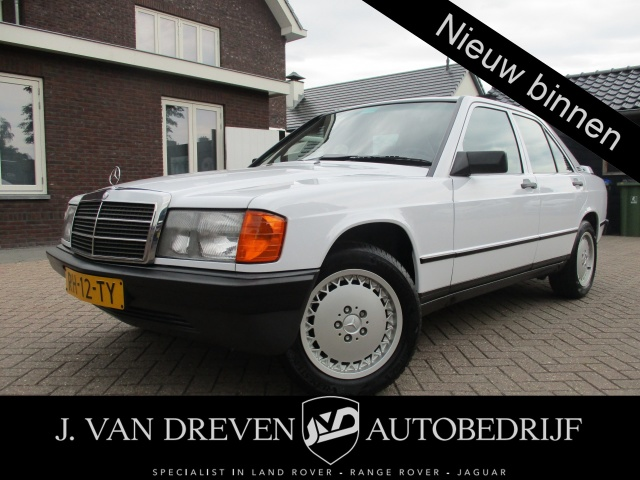 Mercedes-Benz-190